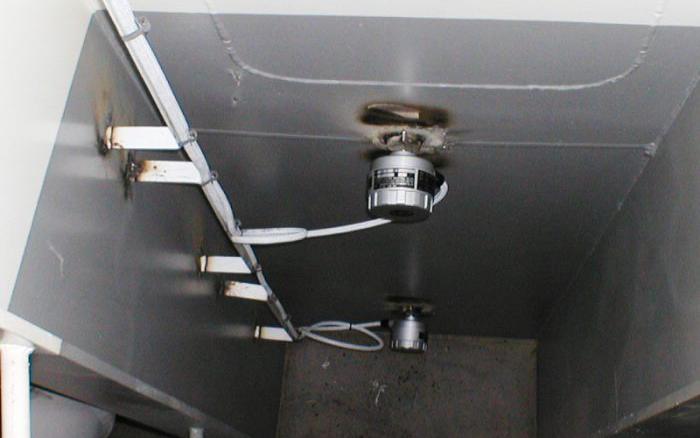 浸水警報装置及び船首区画排水設備